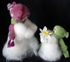 """Flowers For You"" Wooly® Primitive Snowmen"